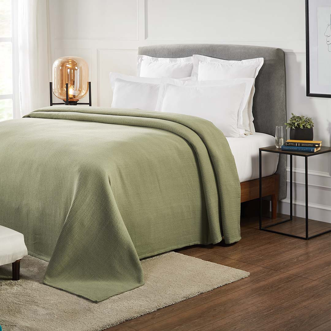 Moco Wave Blanket in Olive Green
